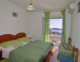 Zimmer 2 (Green)