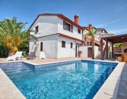 Ferienwohnung Villa Kascuni A2